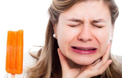 răng bị đau nhức ê buốt
