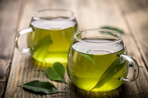 chữa đau răng đơn giản bằng lá trà xanh