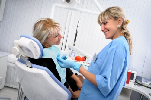 thăm khám răng định kỳ