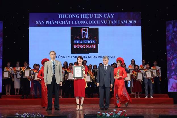 Nha khoa Đông Nam đạt top 10 thương hiệu tin cậy