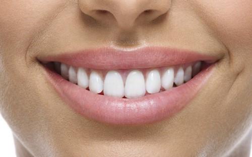 Tuổi thọ của răng toàn sứ sử dụng được bao lâu 3