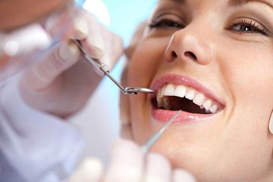 Lấy vôi răng và thăm khám nha khoa định kỳ