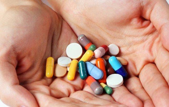 Tác dụng phụ của một số loại thuốc khiến cho vùng miệng có mùi hôi