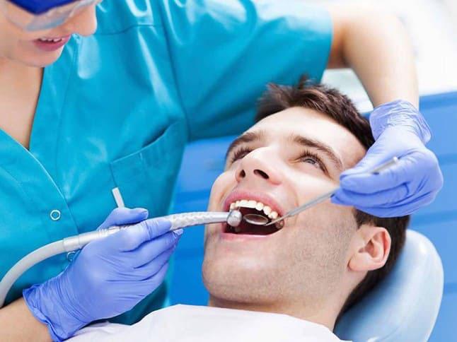 sưng nú răng