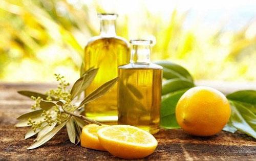 Điều trị tụt lợi bằng hỗn hợp chanh và dầu oliu