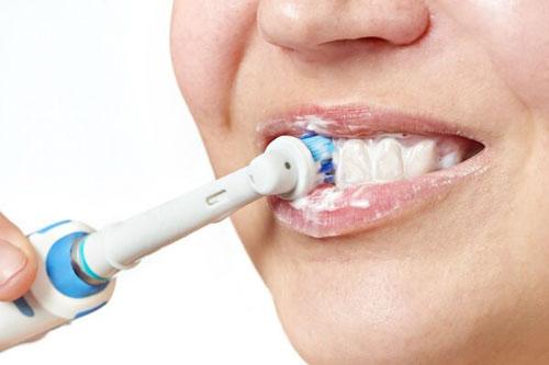 Mỗi lần nên đánh răng bao lâu?